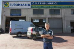 Centro assistenza pneumatici